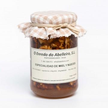Especialidad de miel y nueces